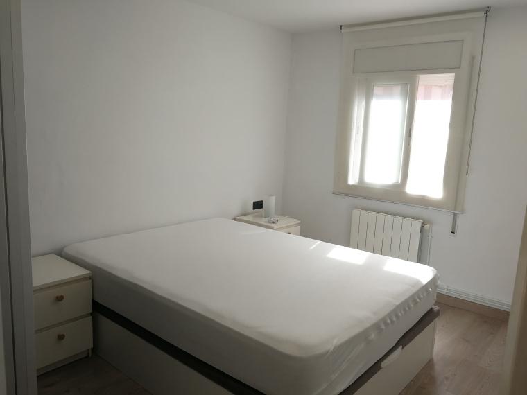 2 PASSATGE ALGESIRES,TERRASSA,Barcelona 08224,3 Bedrooms Bedrooms,Pis,PASSATGE ALGESIRES,1212